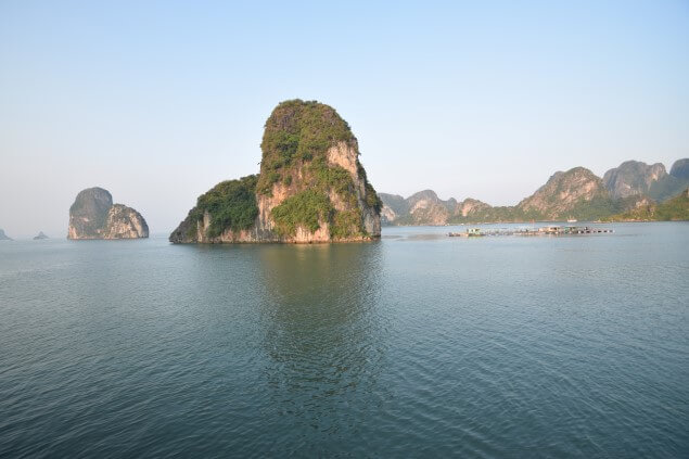 halong bay cliff