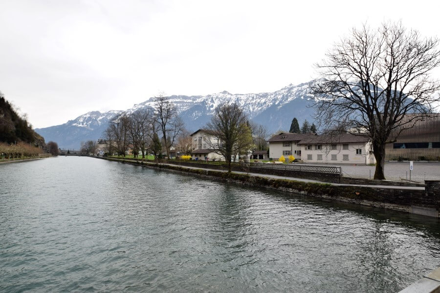 Lake brienz Interlaken Photo Journey