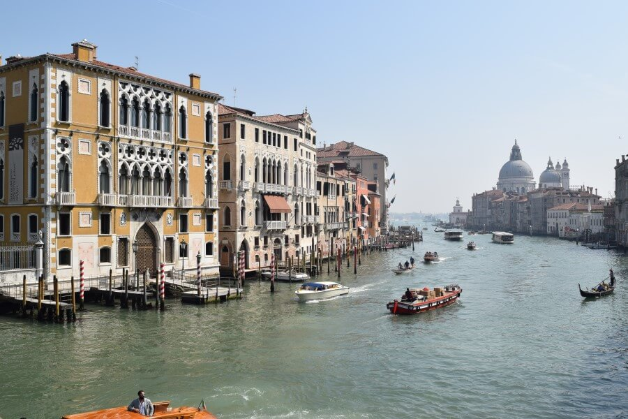 Grand canal busy with boats