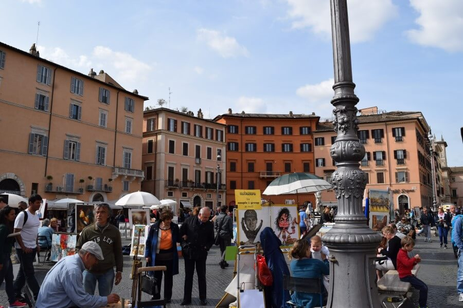 Piazza Navona lively sqaure
