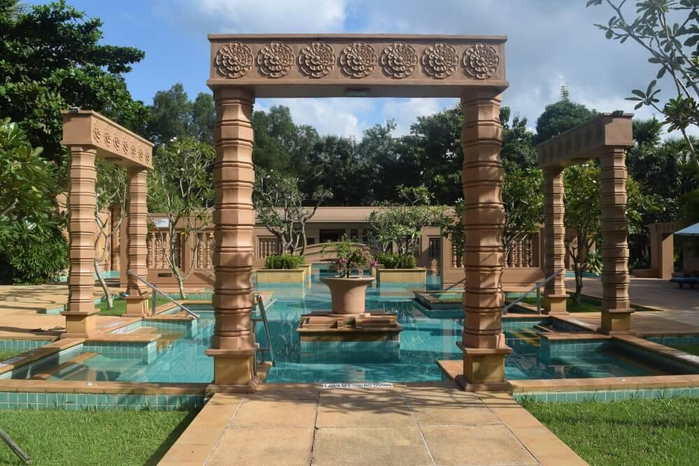 pool meridian angkor