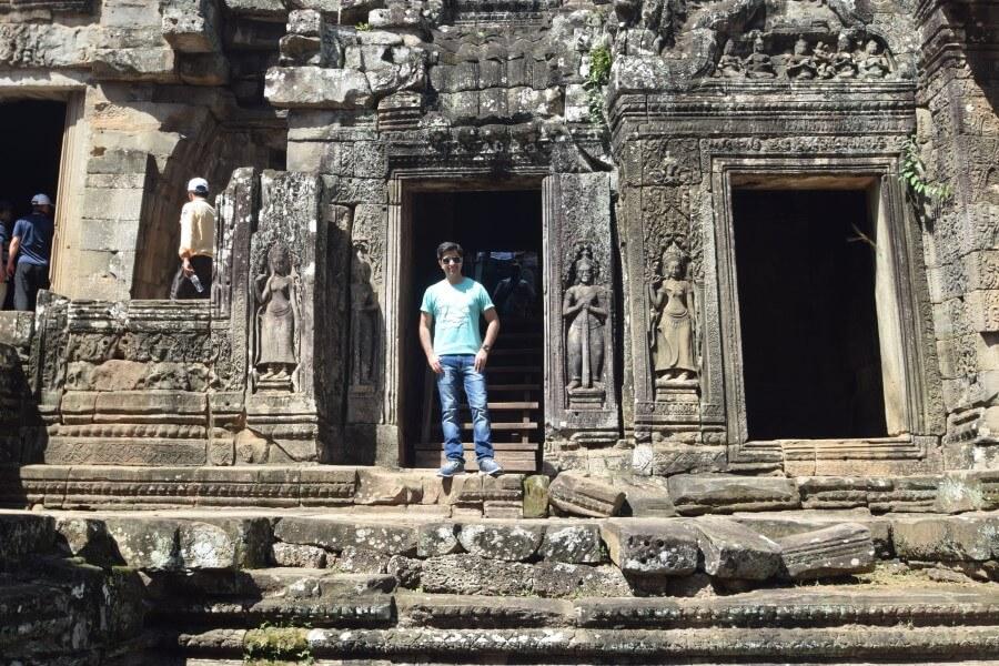 bayon angkor wat temple complex