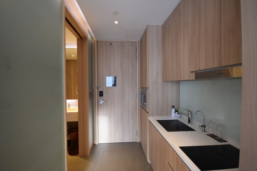 fully eqipped kitchen in studio room
