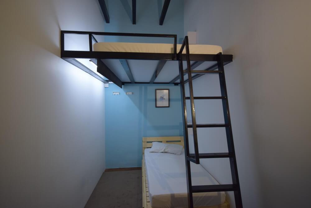 triple occupancy room
