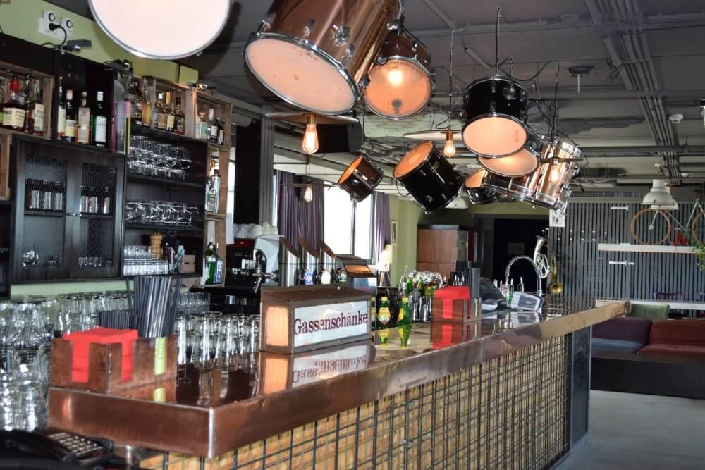 Der dachboden loft with bar
