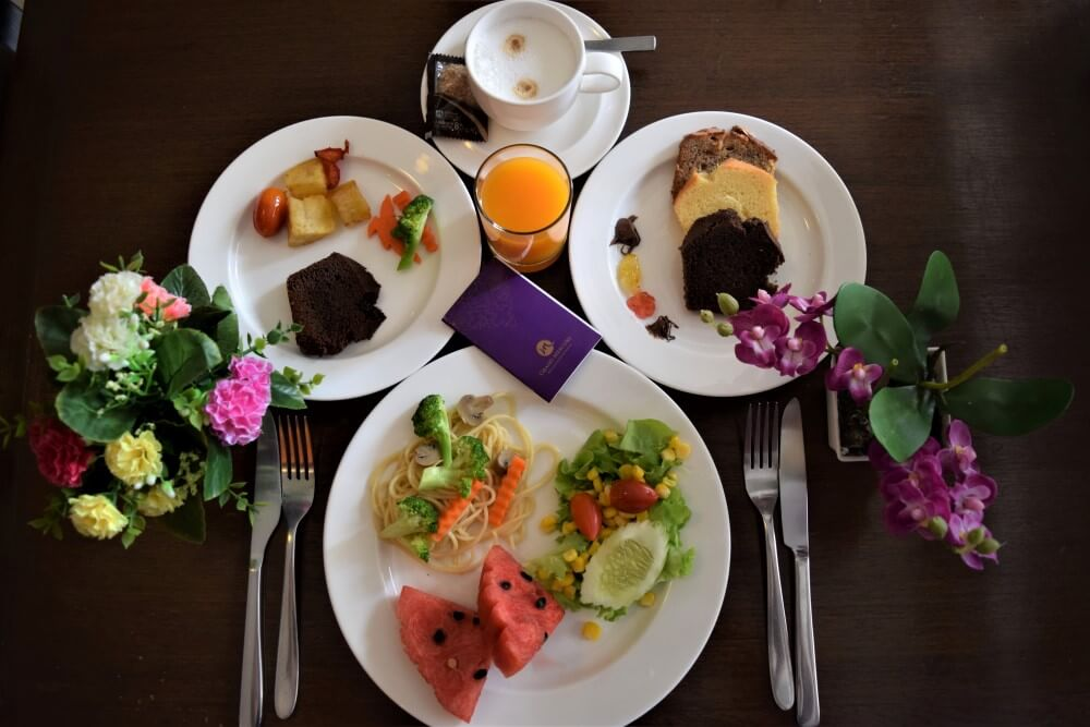 Grand Mercure Bangkok Asoke Residence breakfast