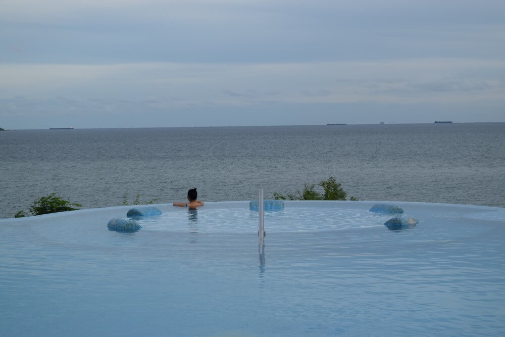 Infinity pool in Royal cliff beach hotel