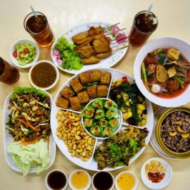 Vegetarian thai food tour takemetour