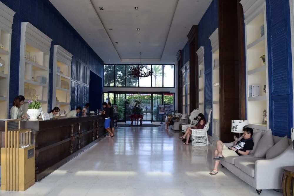 Amari hua HIn lobby