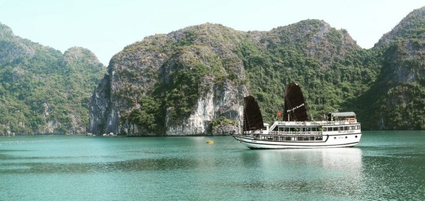 Halong Bay Cruise Travel Diary