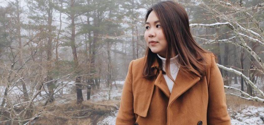 Female traveler who is inspiring girls to travel