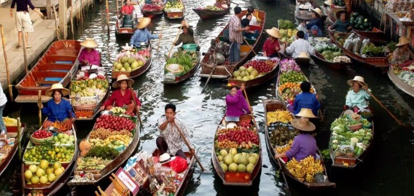 5 Must-Visit Floating Markets in & around Bangkok